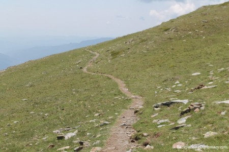 hiking in nuria pyrenees