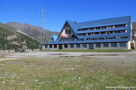 Alojamiento en Nuria valle de Catalunya. hostel nuria
